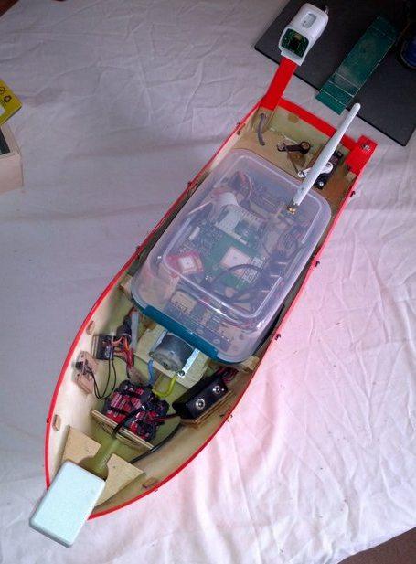 FISH PI RASPBERRY COMPUTER CONTROLLED AUTONOMOUS BOAT PROOF