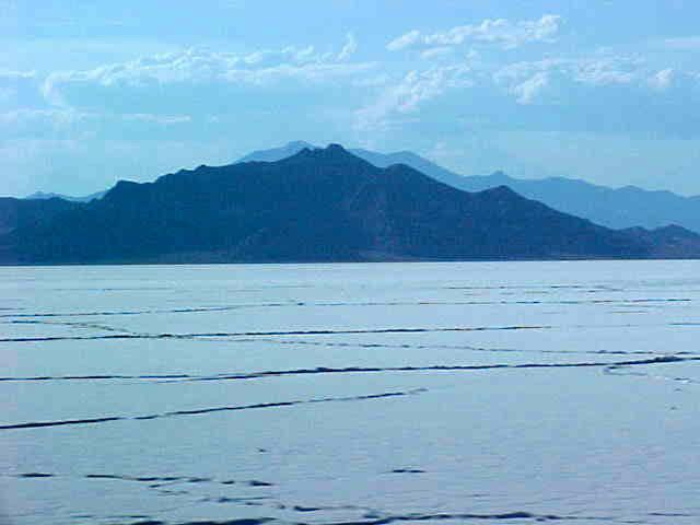 USFRA UTAH SALT FLAT RACING ASSOCIATION BONNEVILLE LAKE  : Bonnevillesaltlakeflatsutah from www.bluebird-electric.net size 640 x 480 jpeg 23kB