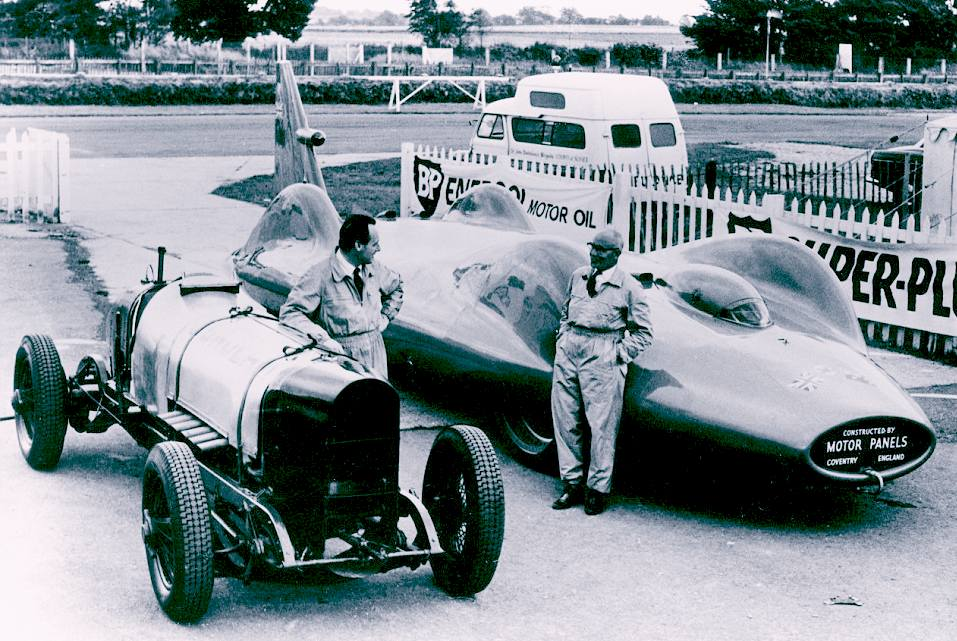 Donald Campbell and Leo Villa with the Sunbeam V12 and Proteus jet Bluebird cars