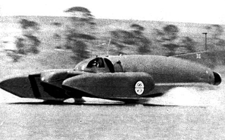Bluebird K7 jetting across lake Dumbleyung in Australia, December 31 1964
