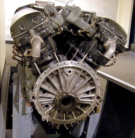 Allison V12 aircraft engine viewed from crank end