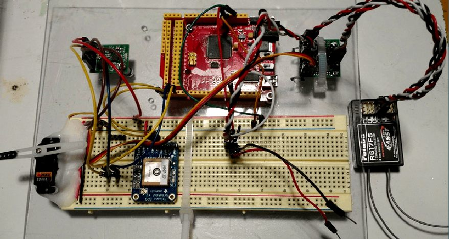 SeaCharger arduino breadboard with Futaba radio receiver
