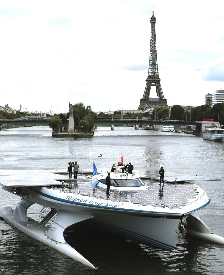 PlanetSolar in Paris
