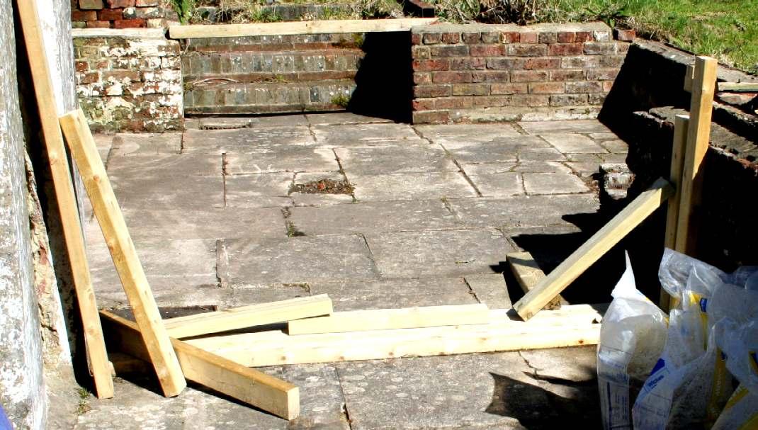 Brick Laying Rendering Building Recirculating Water Tank